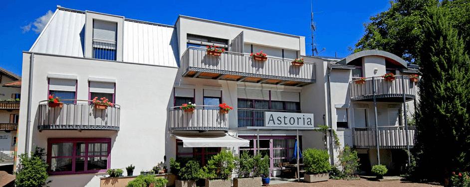 pension_astoria_front
